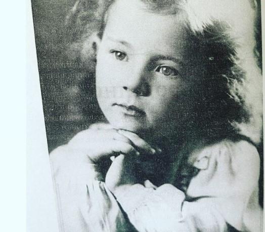 Лариса Рыбальская в детстве