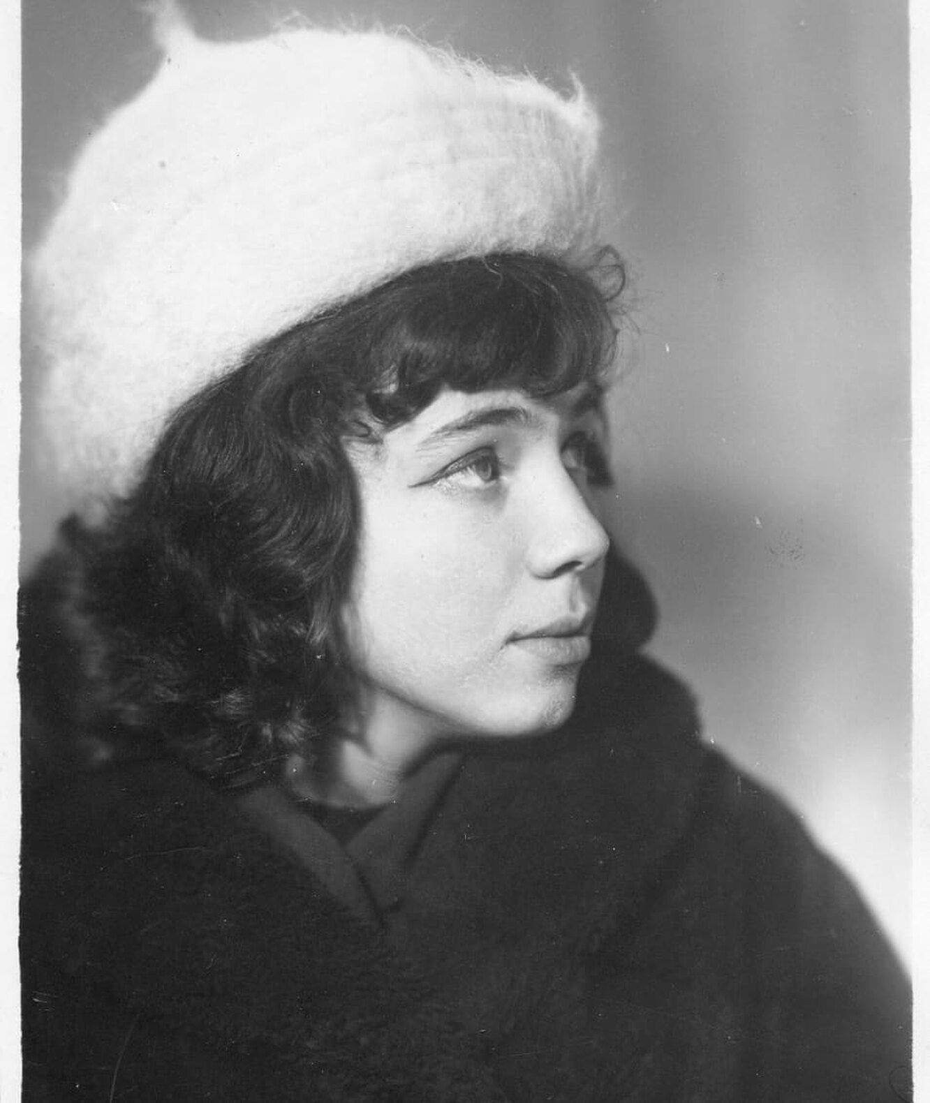 Лариса Рубальская в юности